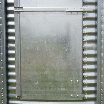 Non-air flat bottom grain bin standard door